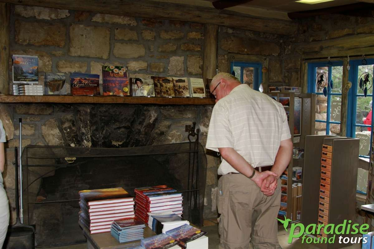 The Grand Canyon Lookout Studio not only provides great views but also a nice selection of books on the Grand Canyon